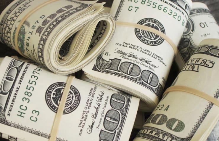 bisnis tidak hanya menghasilkan uang banyak