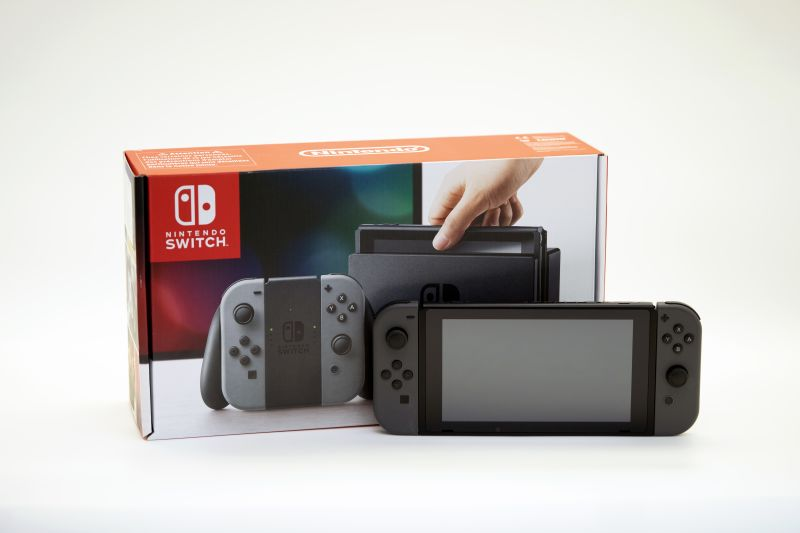 Nintendo Switch (прошиваемая)