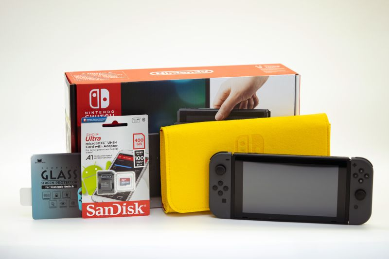 Nintendo Switch под прошивку / защитное стекло / карта памяти на 400Gb / чехол-клач