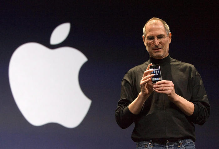Apple ha 45 anni, per Jobs computer 'bicicletta mente'