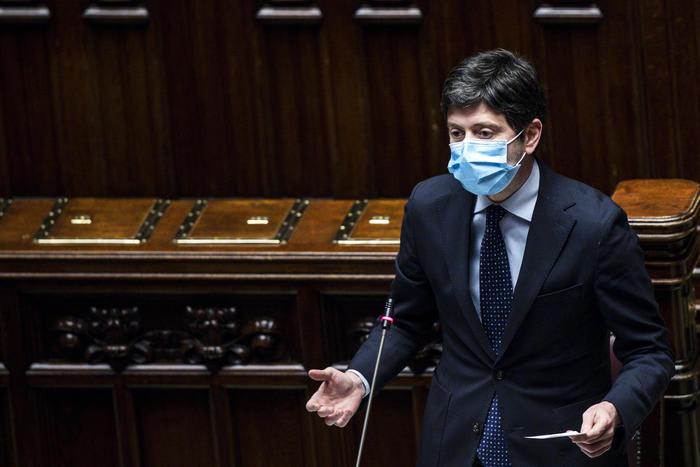 Speranza: piano pandemico ora c'è, mancava da 7 governi