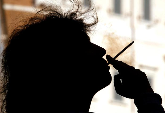 Tra le over-40 il 24% fuma e quasi una su 2 non fa sport
