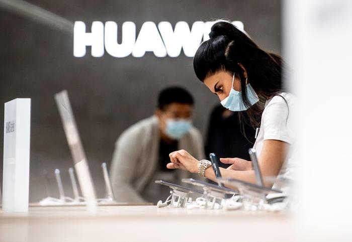 Huawei Assistant, aggiornamento con feedback utenti europei