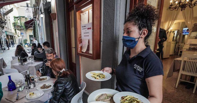 La protesta dei ristoratori: «Dal 7 maggio apriamo i ristoranti