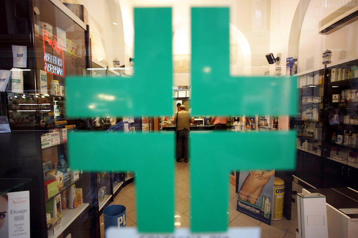 Vaccini: Cossolo (Federfarma), possiamo farne 200mila al giorno