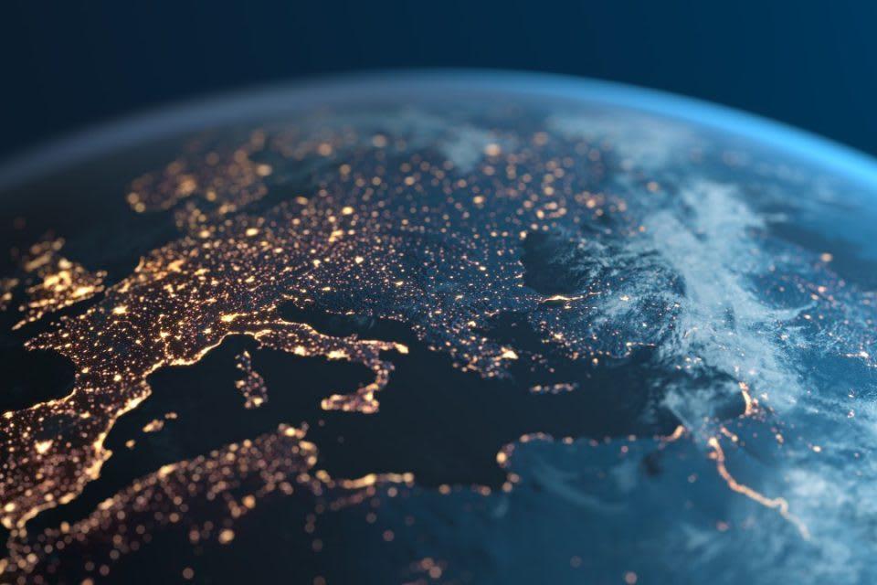 Microsoft risponde all'appello Ue: dati archiviati e processati in Europa