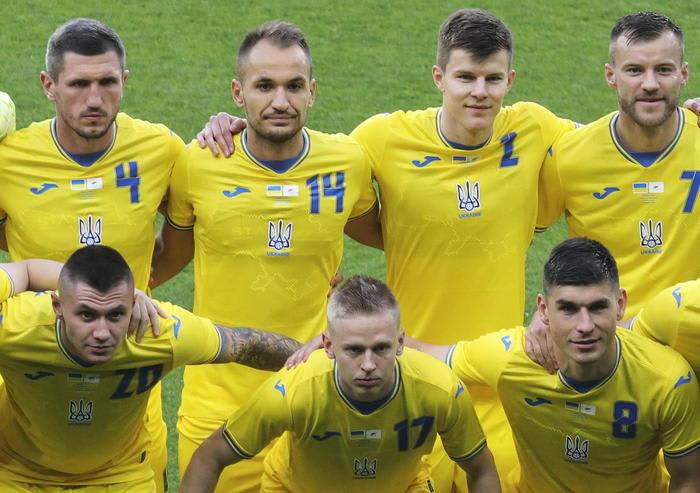 Europei: Uefa, sulle maglie dell'Ucraina lo slogan va coperto