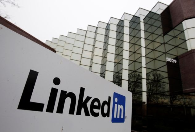 Linkedin in campo contro l'odio online: firmato il codice di condotta Ue