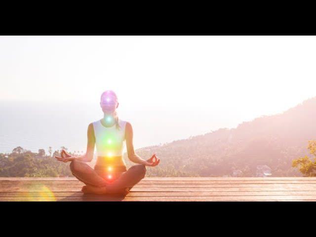 Qui ed ora: Meditazione per centrarsi nel momento presente
