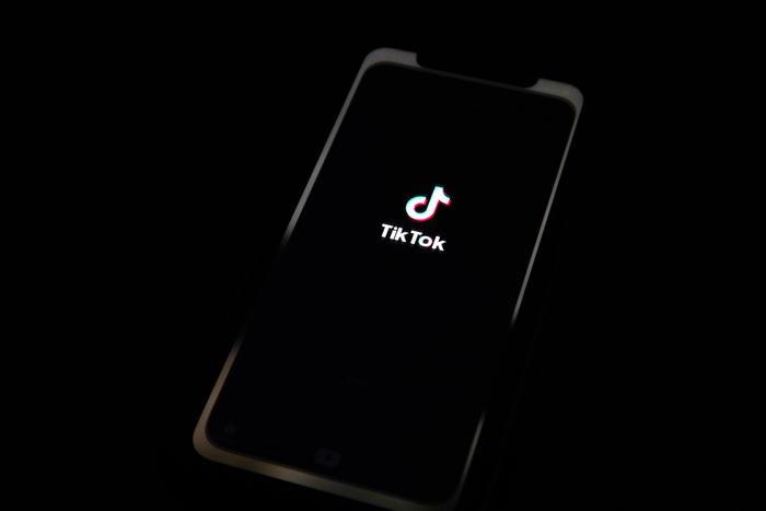 TikTok, mette in vendita la sua intelligenza artificiale