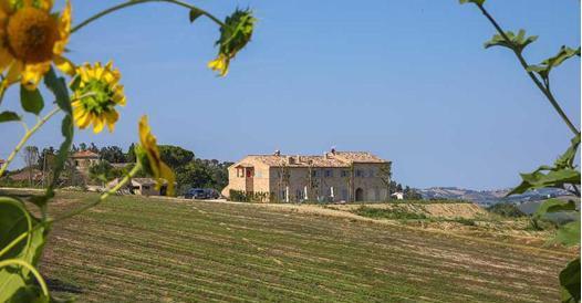 Marche: agriturismi, casali e hotel gourmet