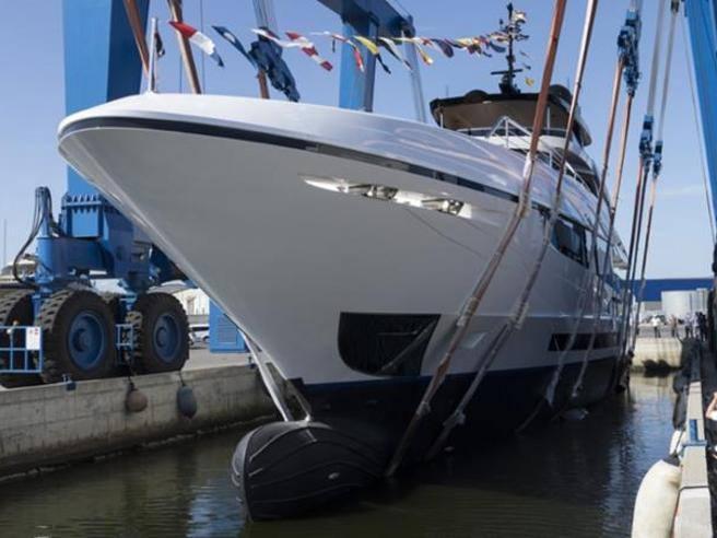 Overmarine vara il nuovo yacht Mangusta Oceano: il «Project Como»