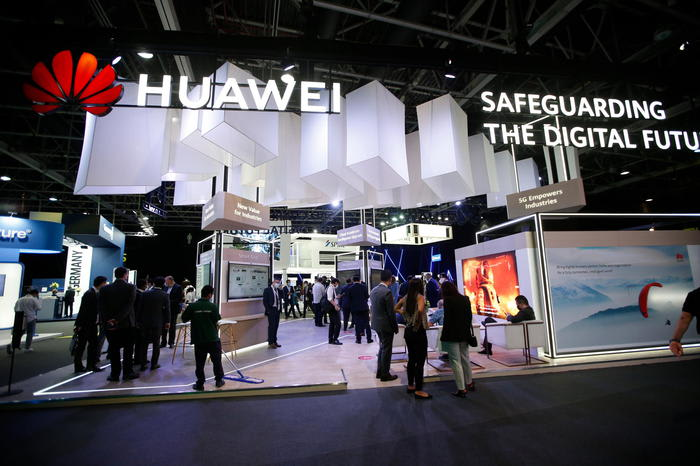 Huawei, ricavi per oltre 49 miliardi dollari nel semestre