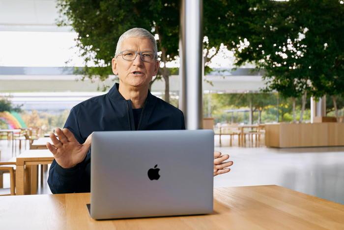 Brevetti contesi, multa di 300 milioni di dollari per Apple