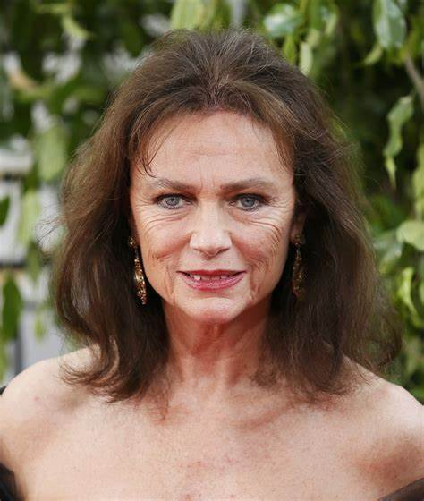 Jacqueline Bisset: «Io accetto le mie rughe, il mio volto