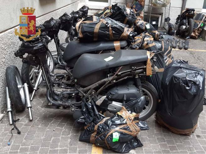 Segrate, rubava scooter e li smontava per spedirli in Africa: