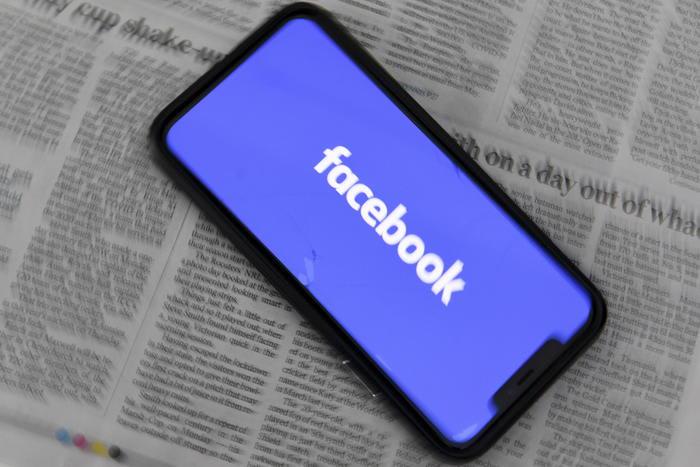 facebook novax 700x467