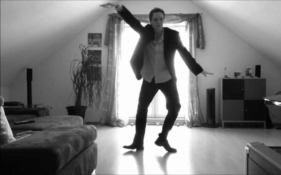 Just Some Motion, 38.000.000 visualizzazioni il ballerino è più virale