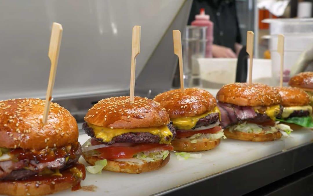 L'hamburger che ha vinto 3 volte il 1 ° posto agli US Best Burger Awards