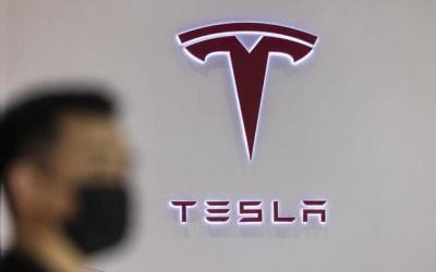 Tesla accetterà di nuovo i Bitcoin, la valuta risale