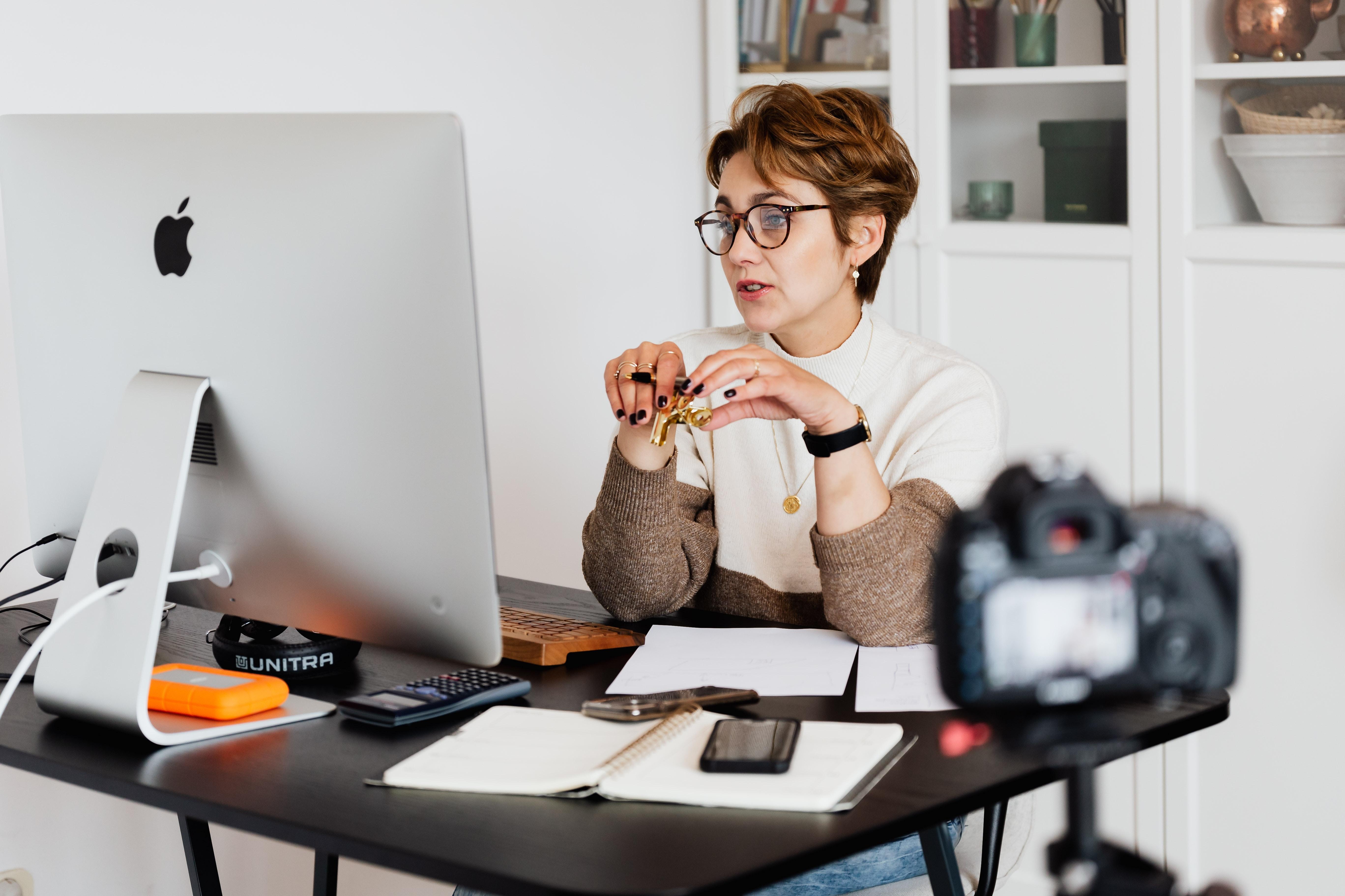 Online English Teacher, Part Time Advert Image