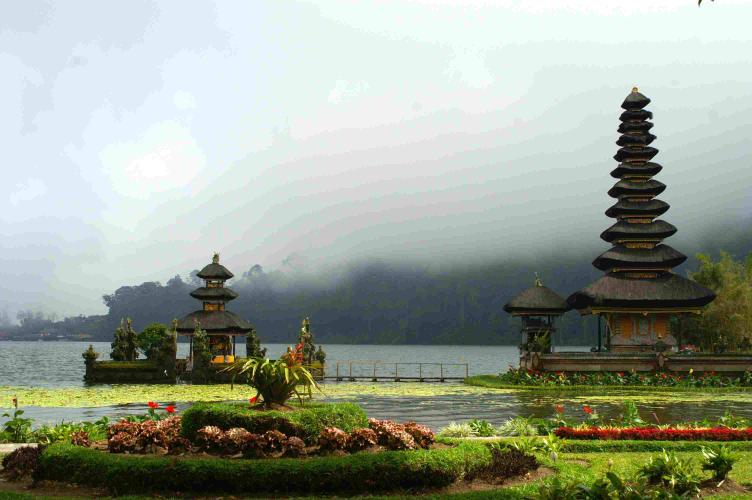 Beautiful Bali Holiday with Flights