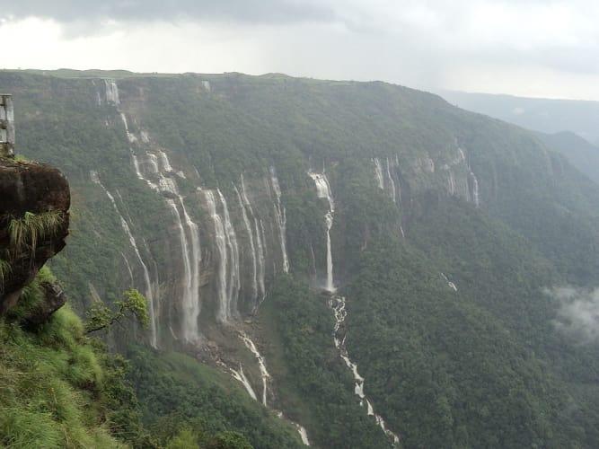 Mesmerizing Cherrapunjee & Shillong