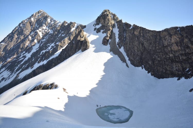 Roopkund Trek – Face-off with the Lakes of Skeletons!