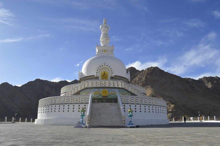 Majestic Ladakh Killer Deal with Flights Ex Delhi