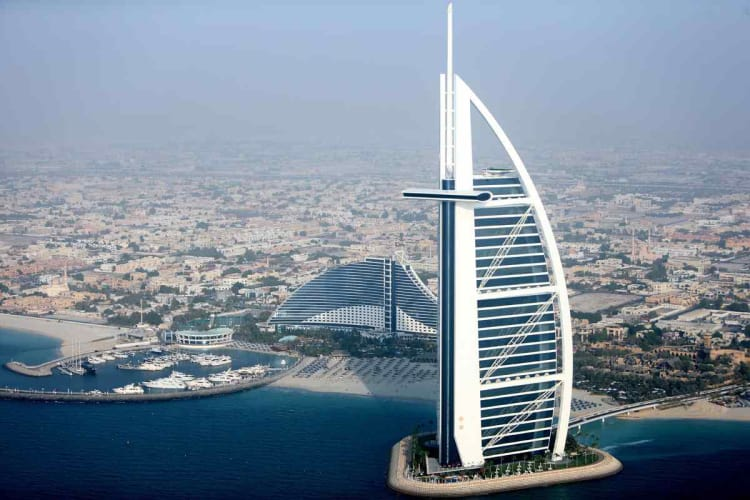 Vacation in Incredible Dubai - Flights from Delhi