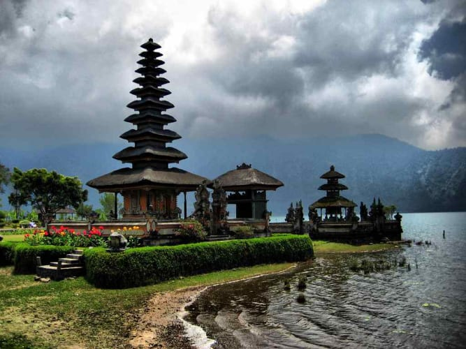 15th August Special - The Beaches & Hills Of Bali