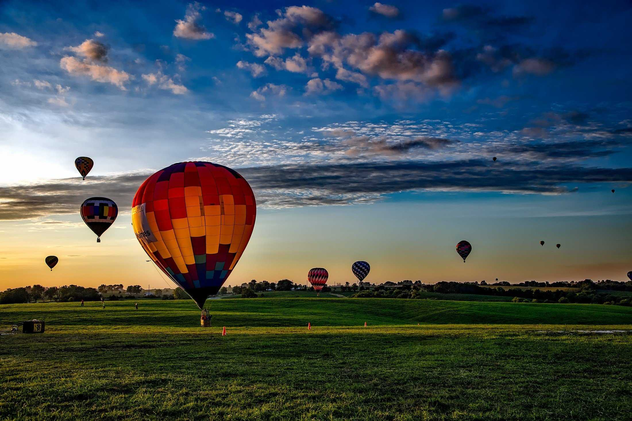 Hot_air_balloon_triplou