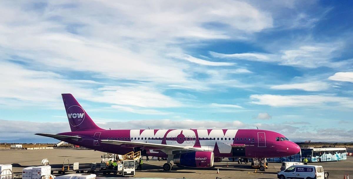 טיסות לואו-קוסט: מה מקבלים בחינם ועל מה צריך לשלם
