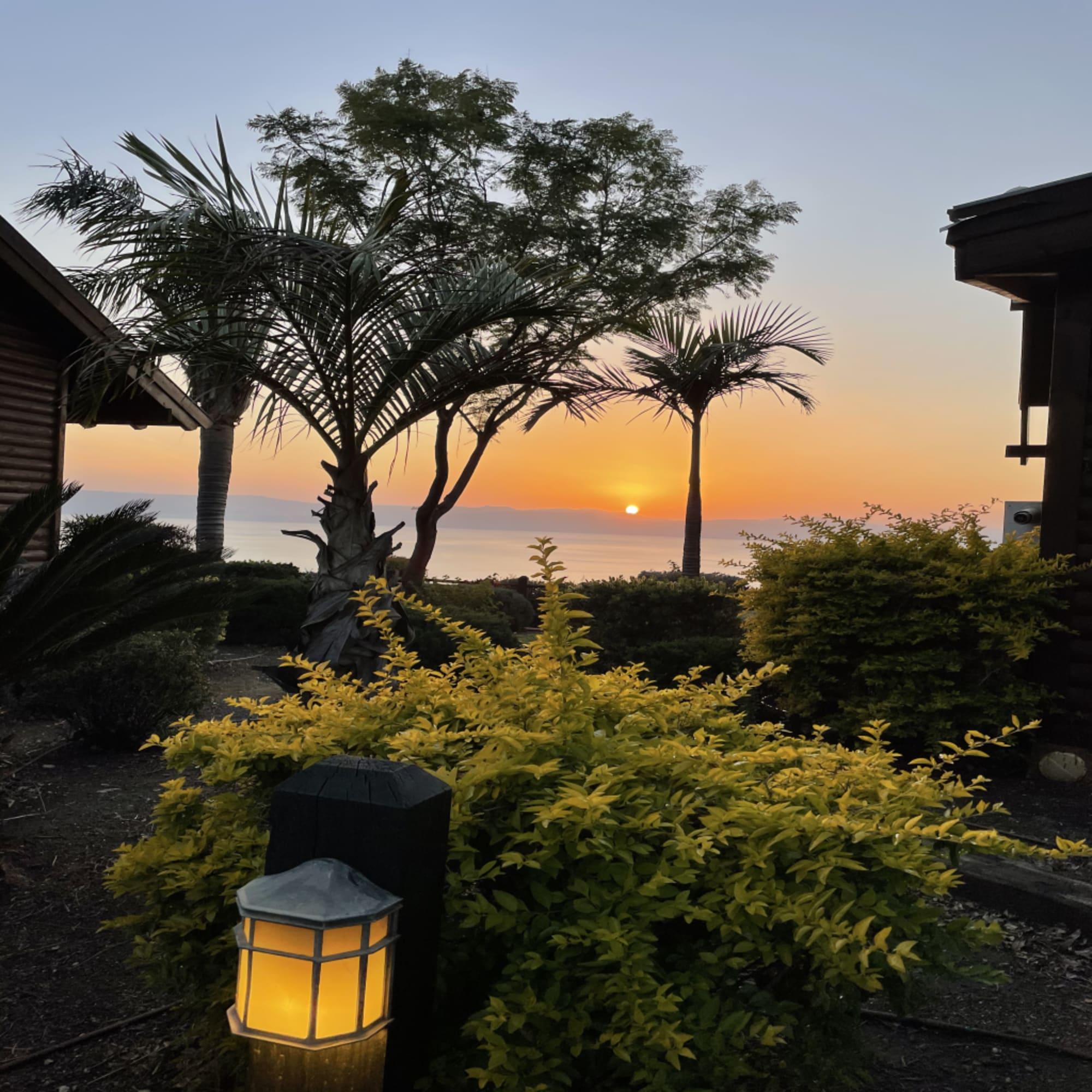 נוף לשקיעה במלון הנופש רמות