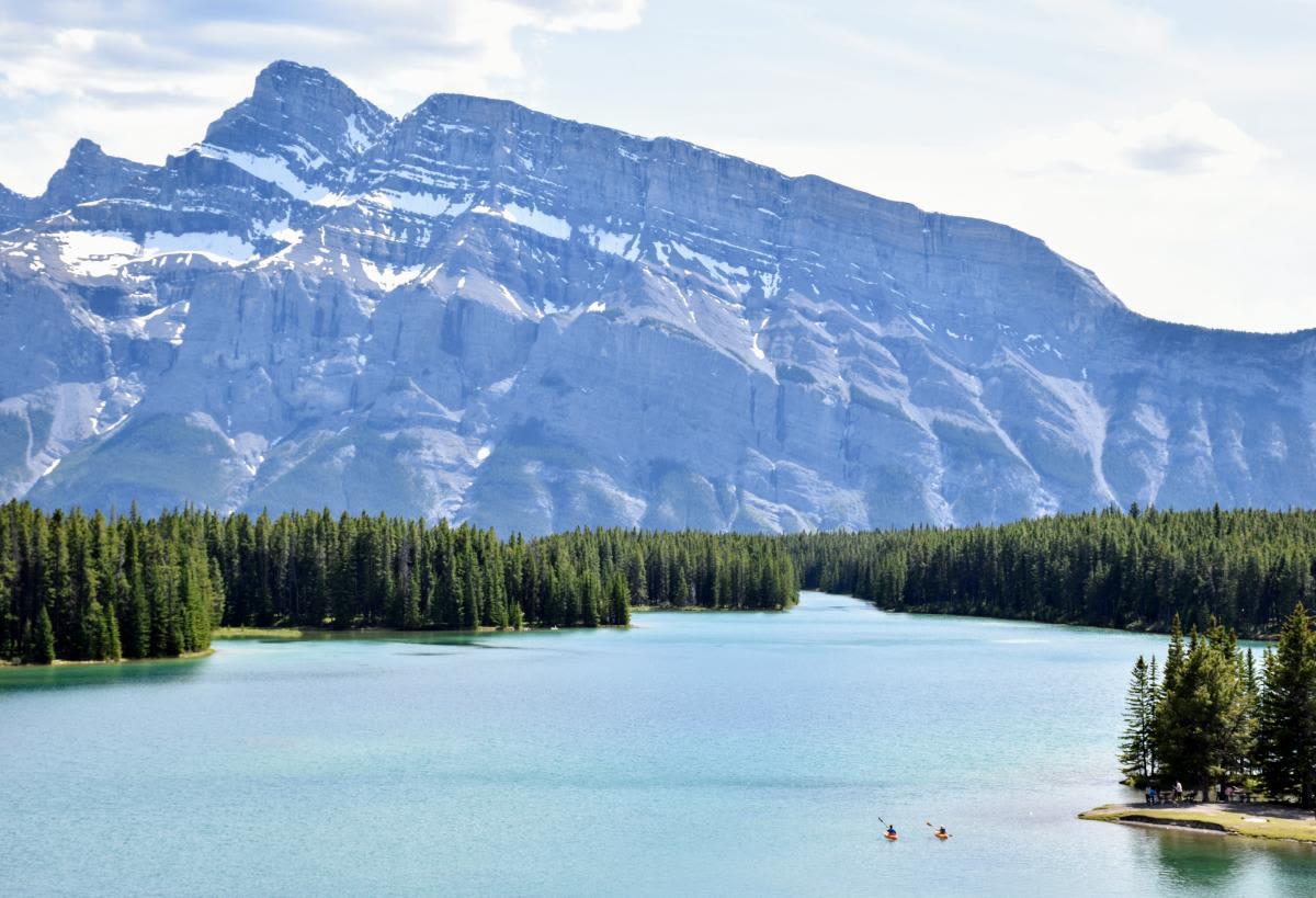 אגם מיניוונקה (Lake Minnewanka), פארק לאומי באנף, קנדה
