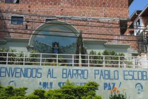 Tour visitando la Comuna 13, El Metro Cable y el Barrio Pablo Escobar