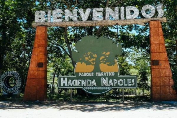 Tour al parque temático Hacienda Nápoles desde Medellín