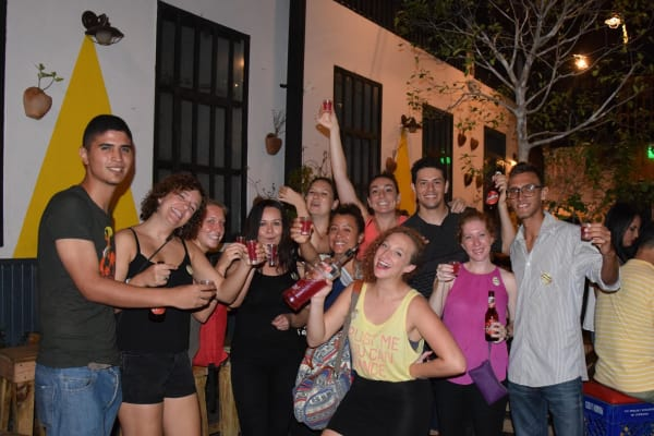 Panama Bar Crawl casco antiguo con guia y bebidas