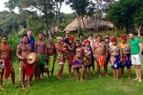 Paseo por la Comunidad Embera