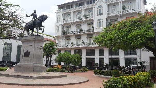 Tour con Guia a la Ciudad de Panamá y el canal.