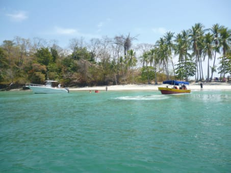 Day tour a Isla Gamez y las Islas Paridas