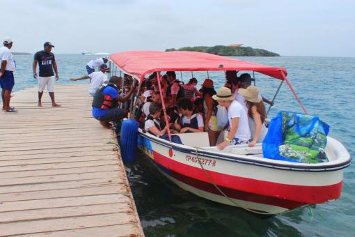 Pasadia a las islas del Rosario y Playa Blanca en lancha rapida