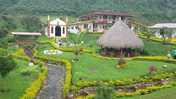 Pasadia a Hispania, Andes y Jardín recorrido del Suroeste.