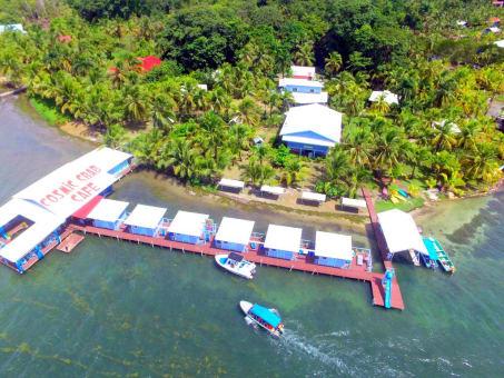 Estadia 5D / 4N en Mini Cabañas Sobre el Mar en Bocas del Toro
