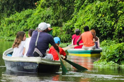 Tour en Canoa por el Parque Nacional Tortuguero