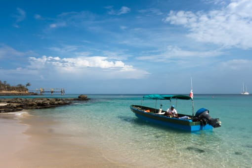 Isla Contadora 2 Noches Todo Incluido - Hotel Mar y Oro + Tours + Ferry