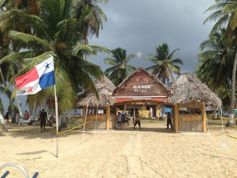 3 dias y 2 noche en Isla Aguja San Blas (Cabaña con baño privado)