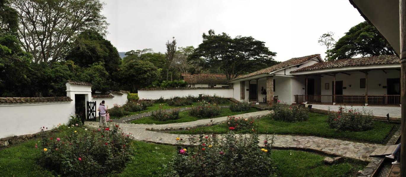 Tour hacienda el Paraíso y Piedechinche (Museo de la Caña de Azúcar)