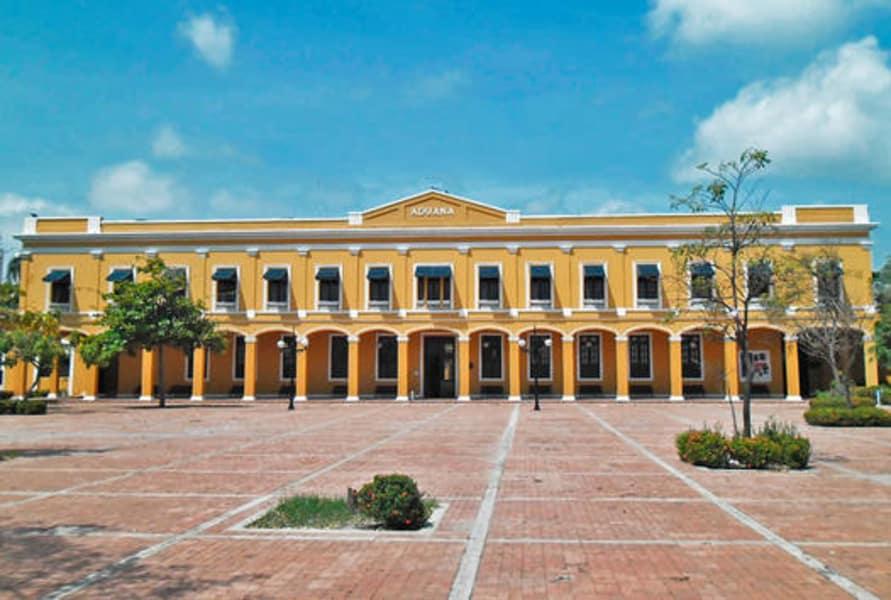 Tour Monumento Históricos Puerta de Oro
