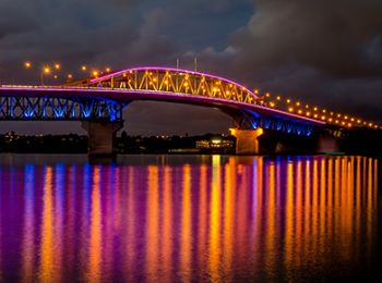 Vector Lights on Auckland Harbour Bridge